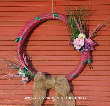 How to Make an Upcycled Wreath Hose