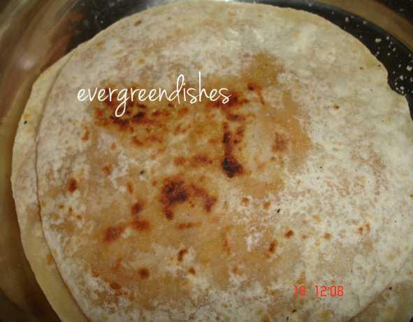 shenga holige peanut sweet pancake  Festive delicacies shenga holige 3