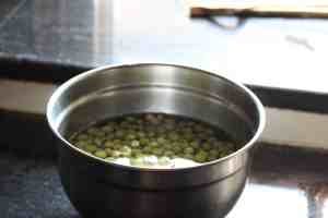 white peas soaked