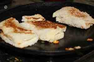 roast on a skillet roasted paneer slabs Roasted paneer slabs/bread roll in steps grilled paneer slabs4 300x200