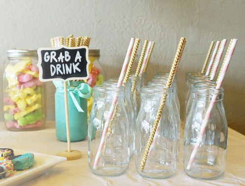 Mini Milk Bottles | A Green and Gold Baby Shower | With Free Printables | Find more at Eversobritty.com