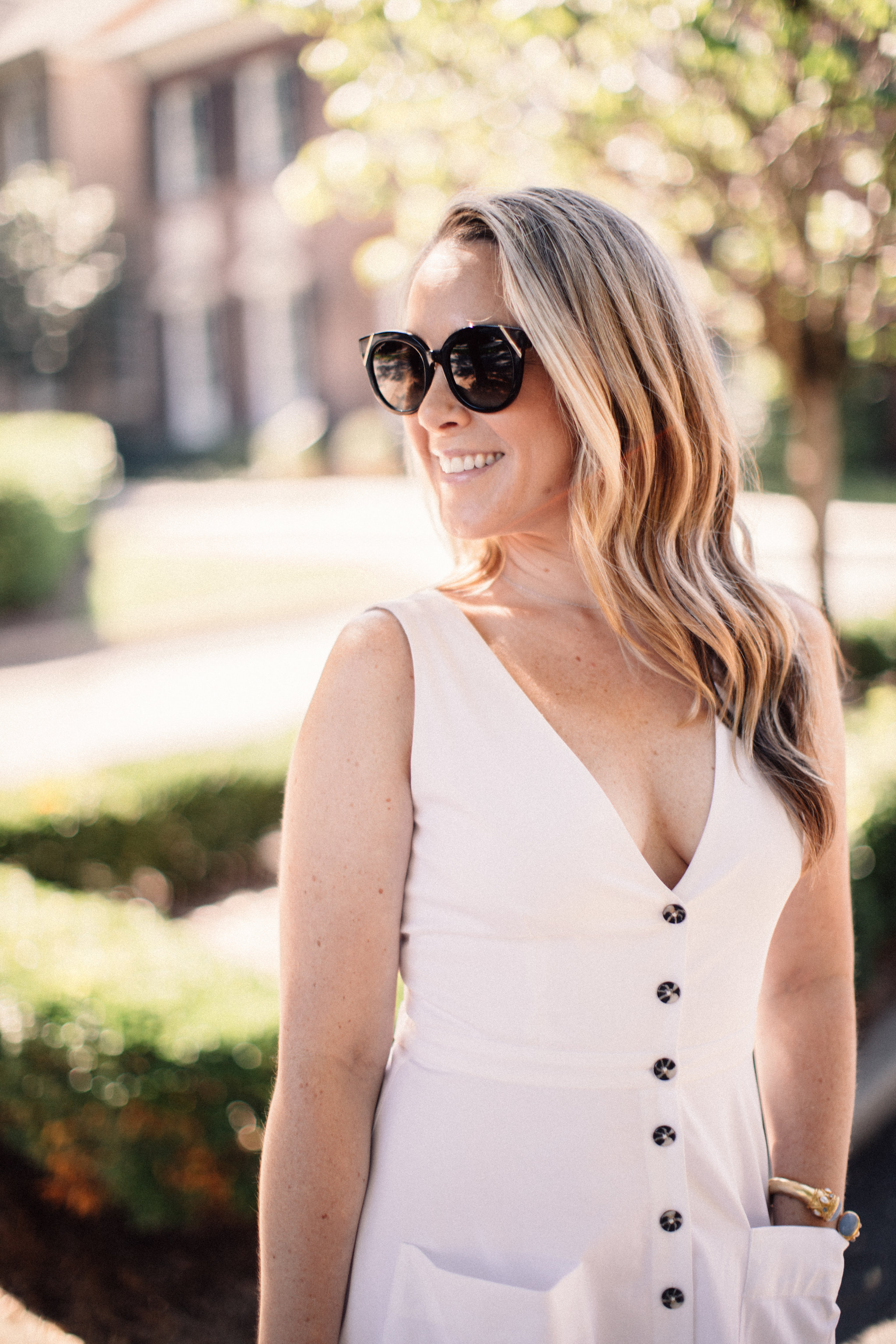 Little White Button Down Dress by NC fashion blogger Every Chic Way - The perfect LWD for the end of summer on ECW today!