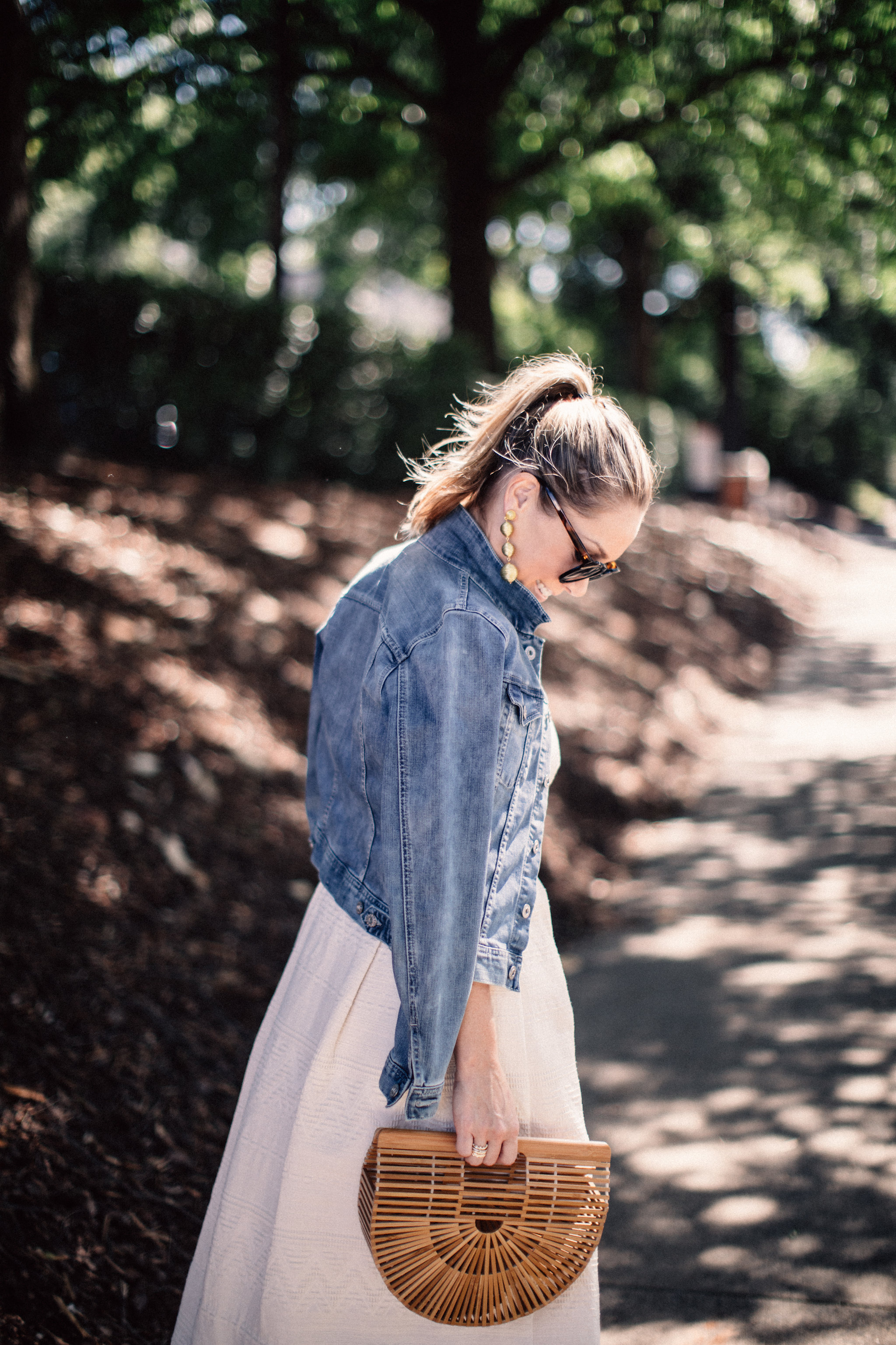 Although it still feels like Summer in the South, Fall weather is just around the corner. A denim jacket is the perfect wardrobe staple to take you from warm days to cool nights. Check out this transition piece on ECW today! - Blue Denim Jacket: The Perfect Transition Piece by North Carolina blogger Every Chic Way