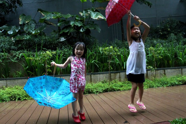 playing_in_the_rain2