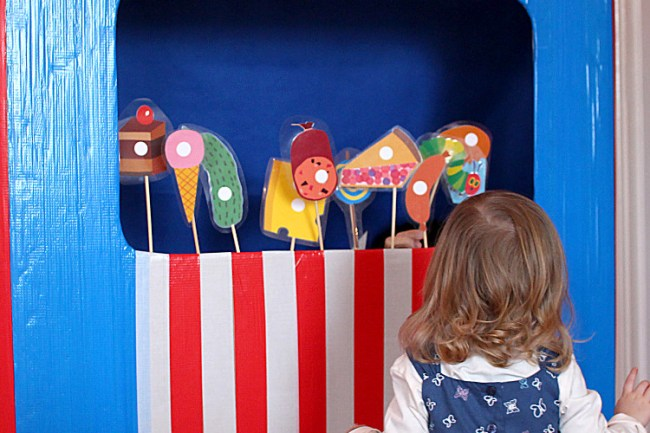 hungry_caterpillar_puppetshow