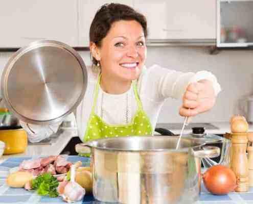 woman-making-soup