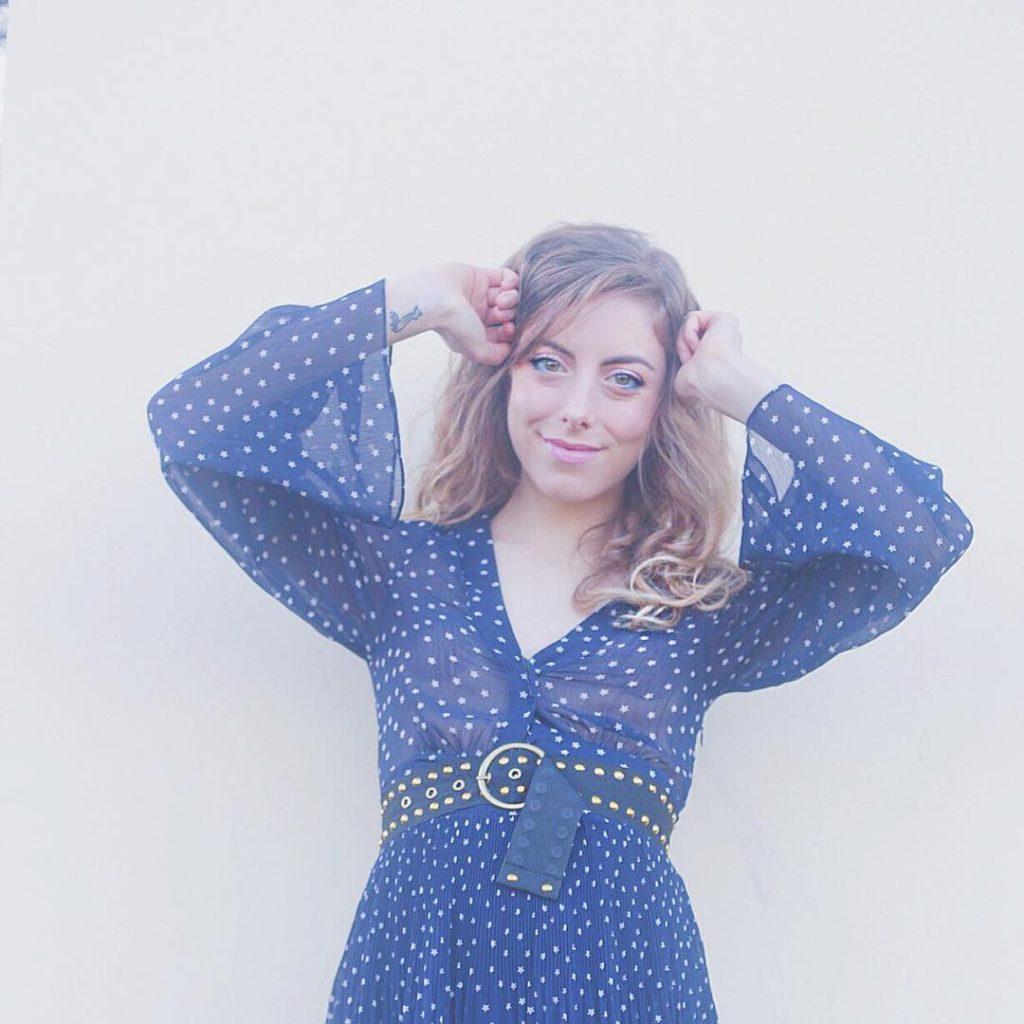 ☄⭐️#sneakpic del post di domani⭐️☄ buonasera fanciulle! Vi auguro buona serata con una piccola anteprima del post di domani #starrynight #stardress #asos #capodanno2016 #nyeparty #liketkit #likeit