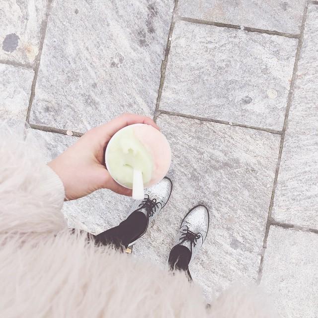 Ho detto no alla fretta, ma ho detto sì a un gelato mela e pompelmo rosa ❤️#MFW #grom