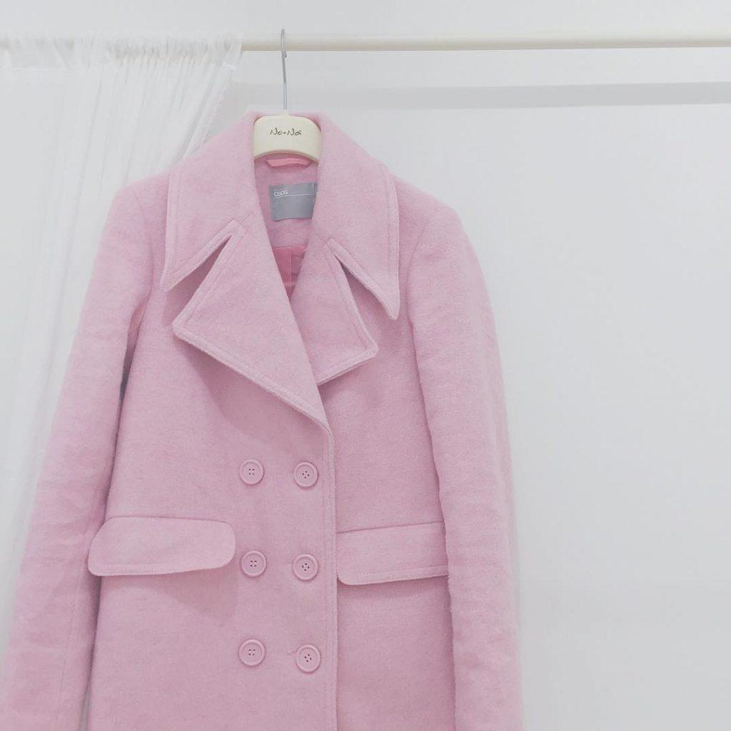non è proprio #rosequartz ma è ugualmente pastelloso sul blog potete trovare sia l'outfit con questo cappotto di @asos_it che un articolo sui colori #pantone2016: rose Quartz e #serenity #liketkit