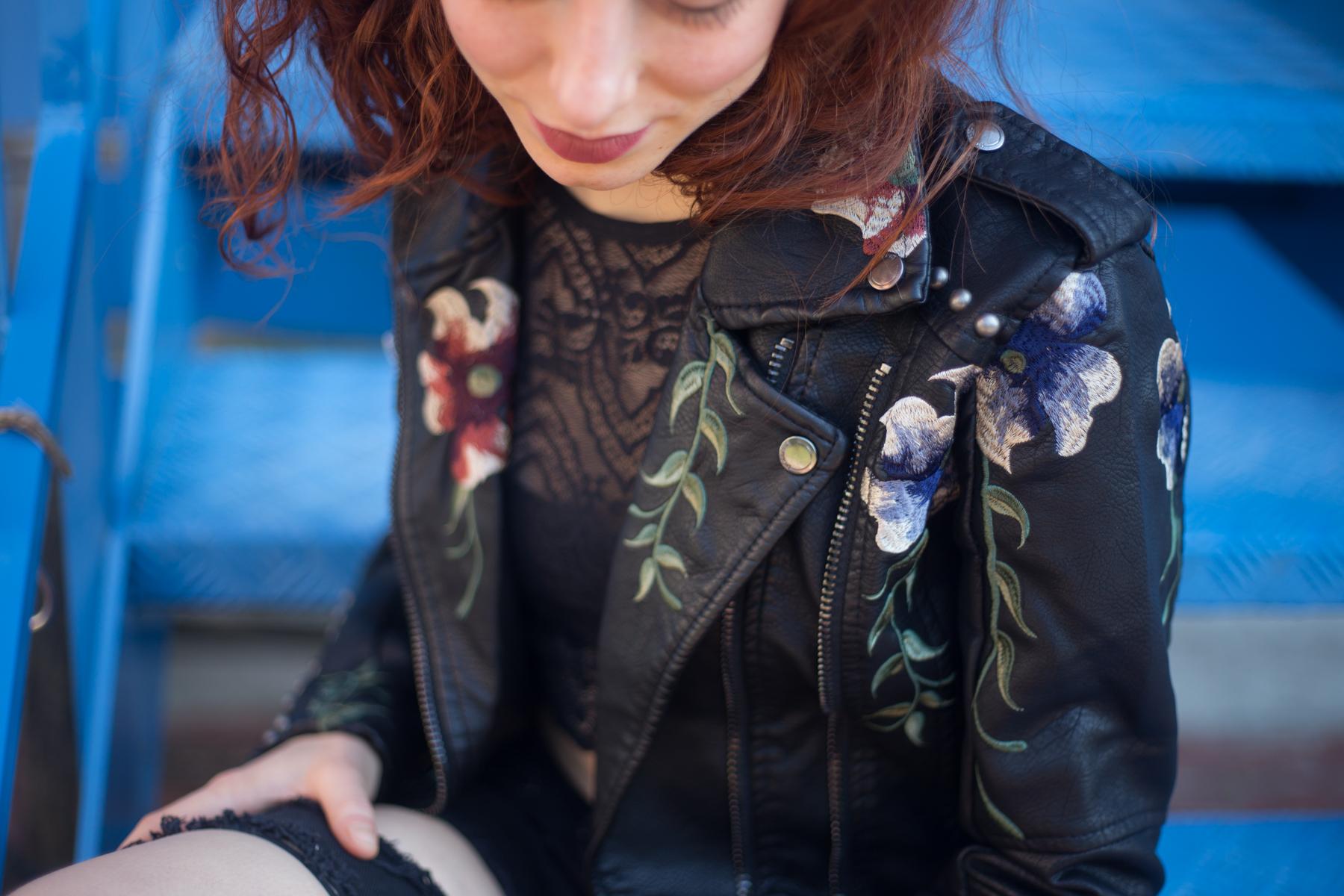 giacca di pelle con ricami