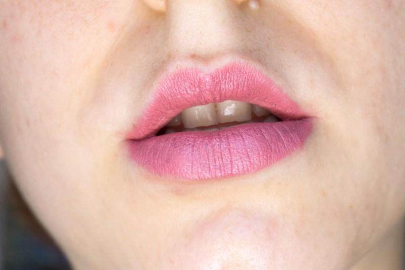 Nuovi Rossetti Color Sensational Inti Matte nude smokyrose