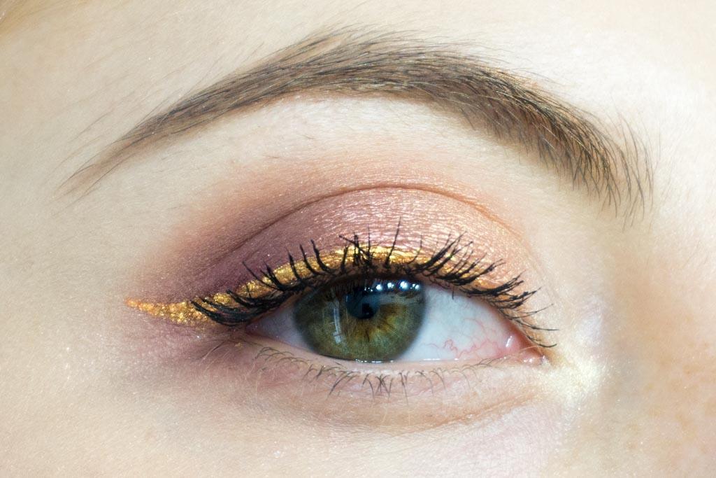 dreamy eyeshadow palette nabla makeup eyeliner klimt