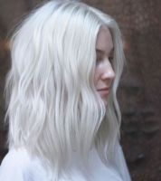 trend capelli 2017 biondo icy blonde