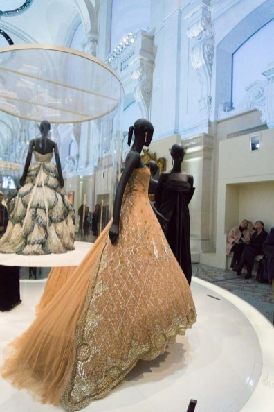 mostra di Dior a Parigi museo delle arti decorative