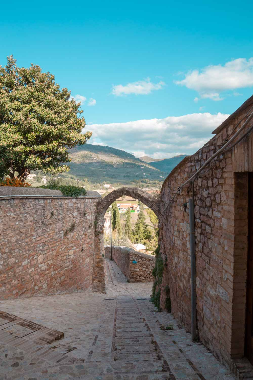 arco romano spello