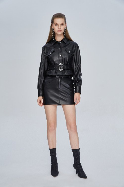 miss sixty total outfit con minigonna in pelle nera