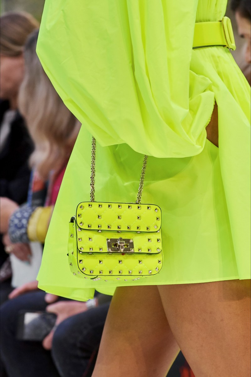 mini bag valentino giallo neon primavera 2020