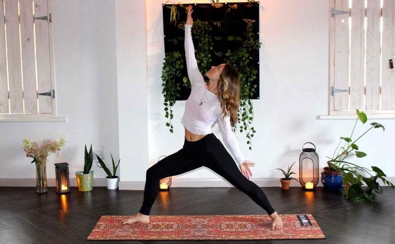 praticare yoga in casa, le app migliori
