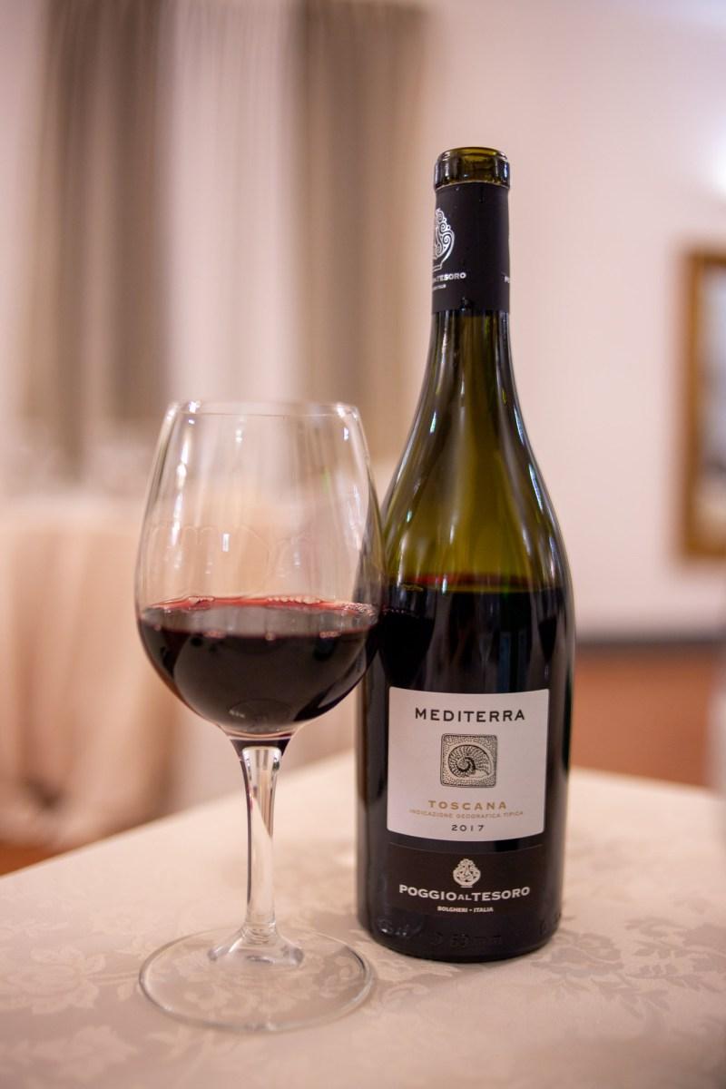 vino rosso villa del parco resort san baronto
