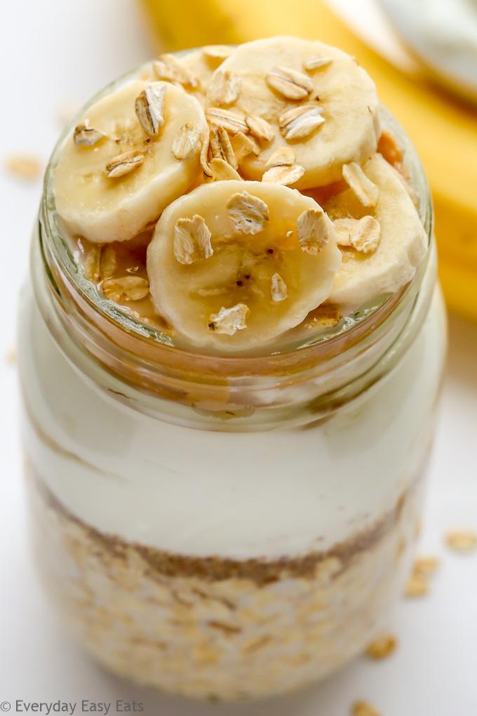 Peanut Butter Banana Overnight Oats with Greek yogurt   Recipe at EverydayEasyEats.com