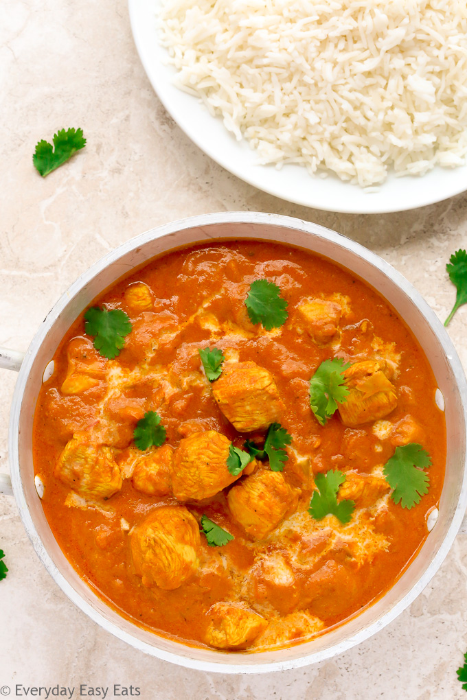 This Quick Indian Chicken Curry recipe is hearty, flavorful and ready to eat in just 30 minutes. | EverydayEasyEats.com