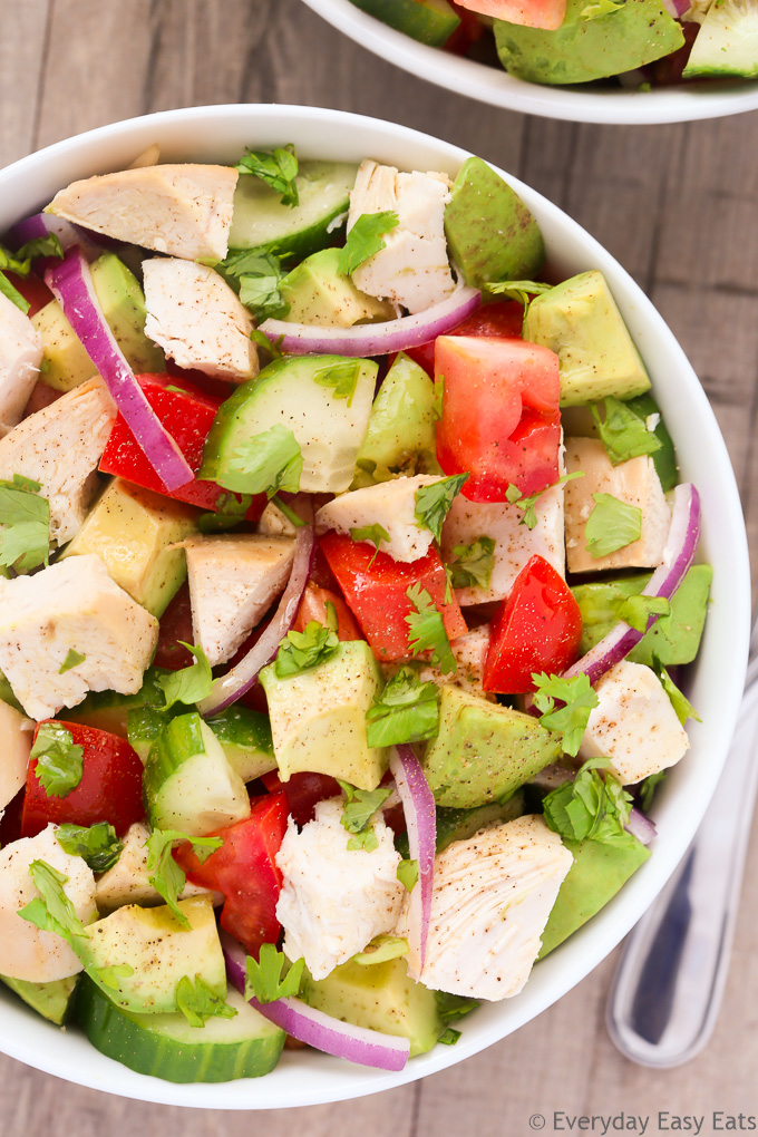 Easy Chicken, Avocado & Tomato Salad | Recipe at EverydayEasyEats.com