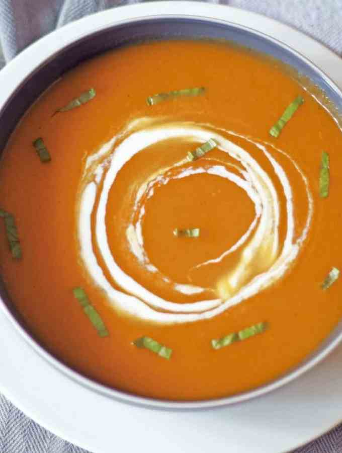 Healthy Creamless Roasted Butternut Squash Soup