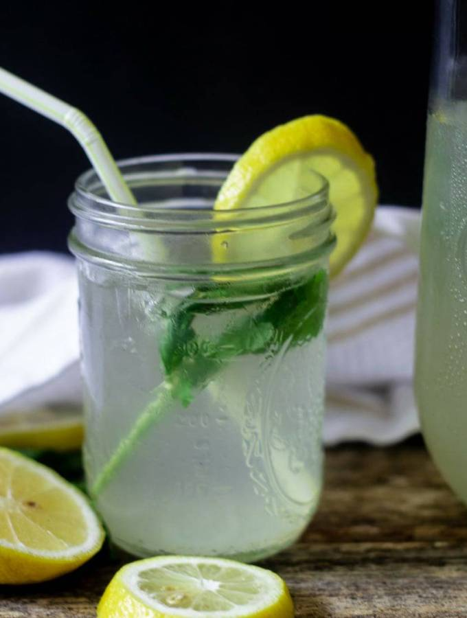 Homemade Mint Ginger Lemonade
