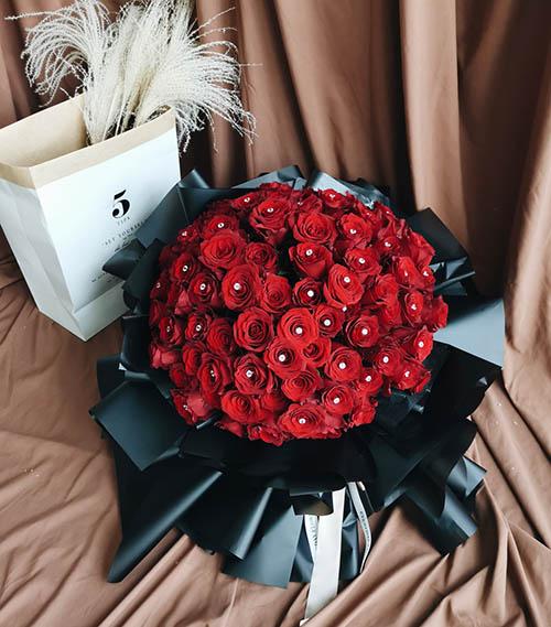 99 Roses Premium Bouquet
