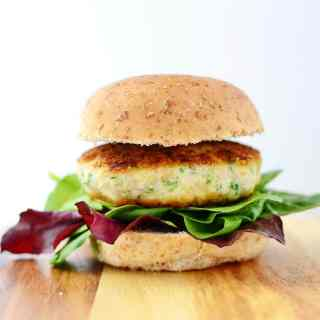 Amaranth chicken burgers