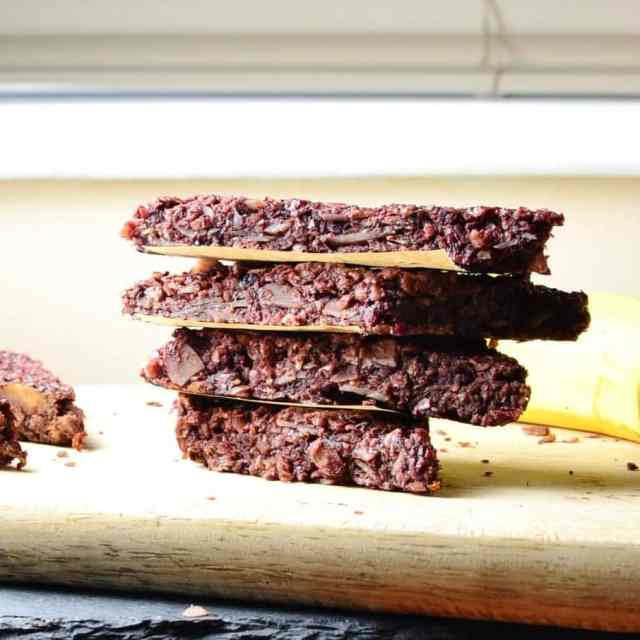 Peanut Blackberry Oat Bars with Cacao