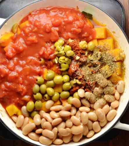 Easy Mediterranean Butternut Squash Casserole (Vegan)
