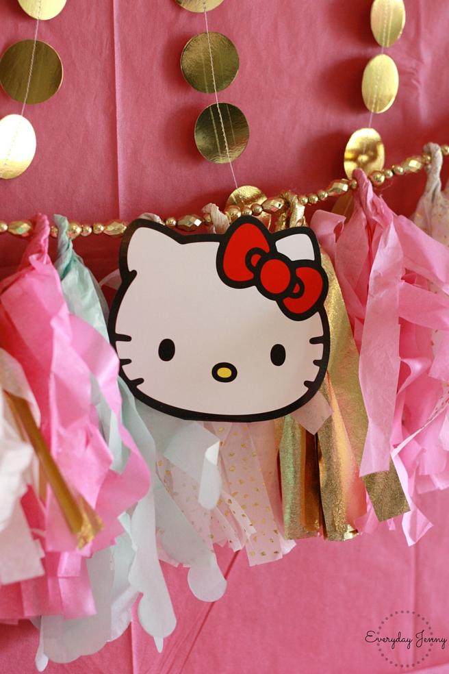 Hello Kitty tissue paper banner details