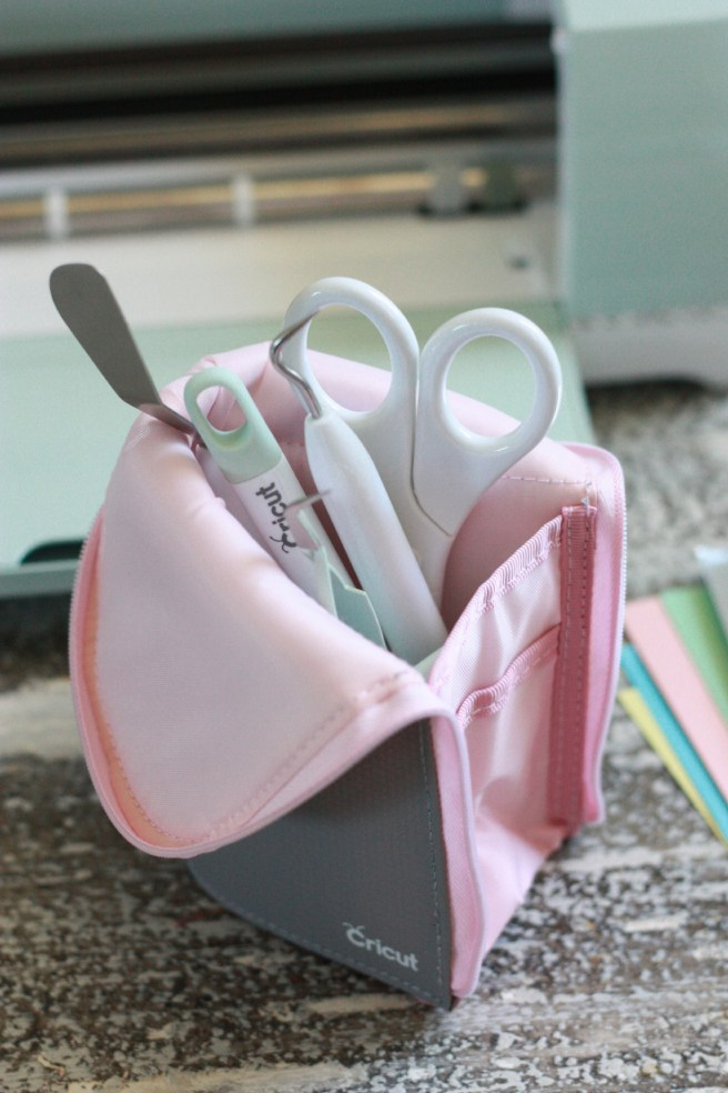 Cricut Essential Tool Set Kit In Toll Pouch