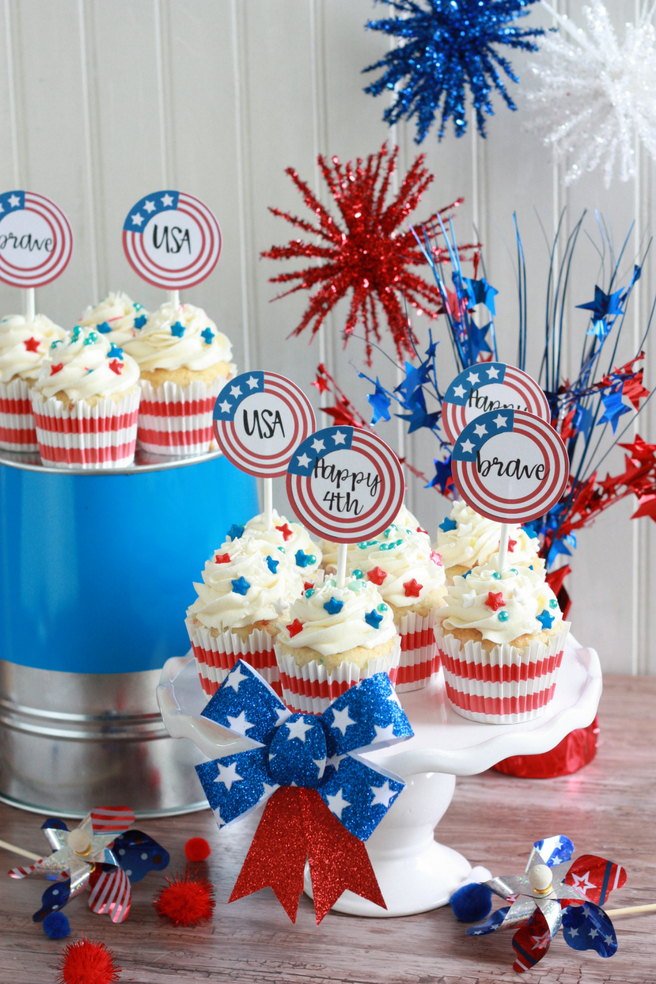 Patriotic 4th Of July Cupcakes With Toppers Table Setting Made Cricut Print Then