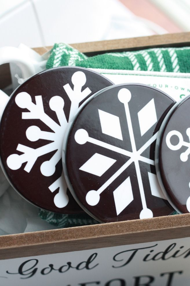 CRICUT INFUSIBLE INK SNOWFLAKE COASTERS GIFT   EVERYDAY JENNY