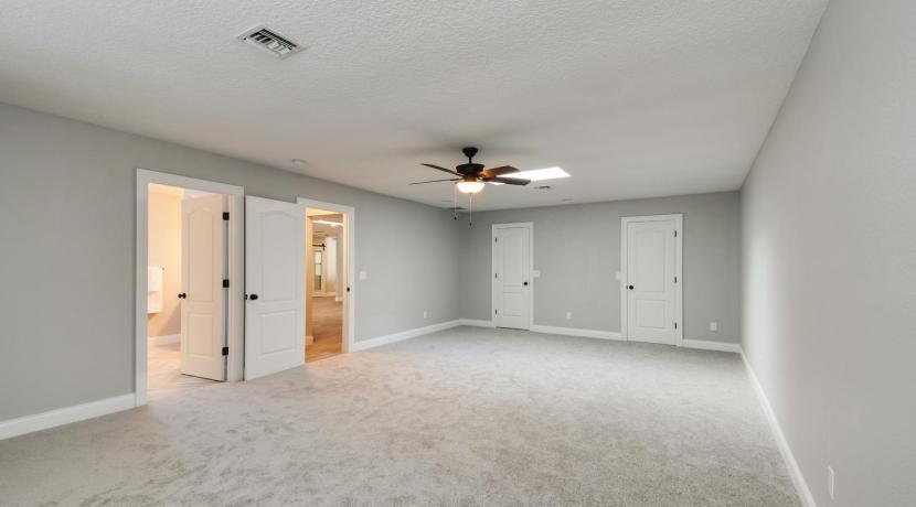 10_bedroom1