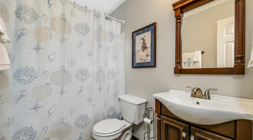 Conway Acres_bathroom