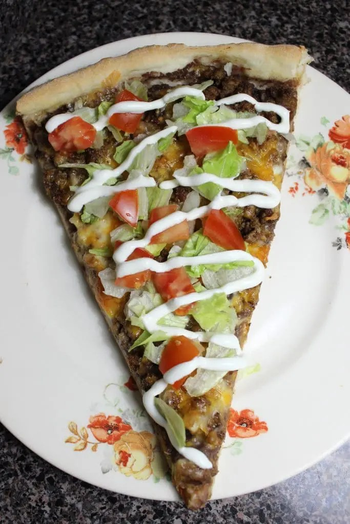 Change up taco or pizza nights with this Easy Taco Pizza!   EverydayMadeFresh.com