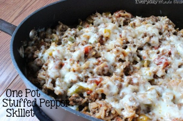 Who said stuffed peppers have to be a complicated dish? This One Pot Stuffed Pepper Skillet bring all of your favorite flavors into a one pot dinner, on the table in no time! | EverydayMadeFresh.com