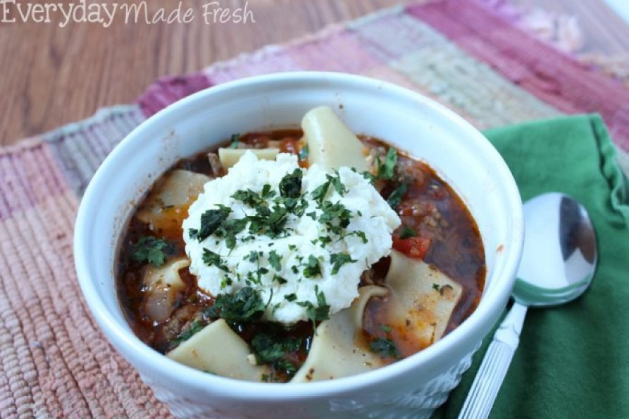Love lasagna? You'll love this easy-to-make Lasagna Soup that's ready in 30 minutes! | EverydayMadeFresh.com
