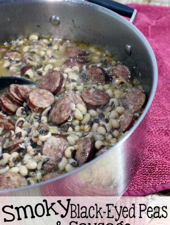 This popular southern dish gets a hint of smoke, and loaded with sausage for a Smoky Black-Eyed Peas and Sausage meal that is low carb and delicious! | EverydayMadeFresh.com