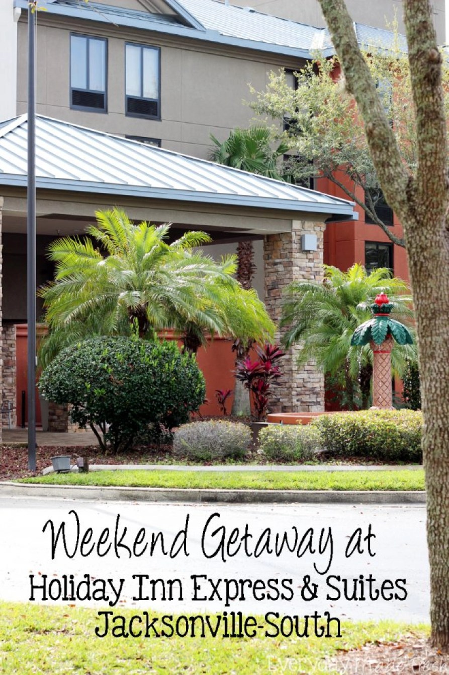 Spending some time in Jacksonville, Florida? Check out our Weekend Getaway at Holiday Inn Express & Suites Jacksonville-South!  | EverydayMadeFresh.com
