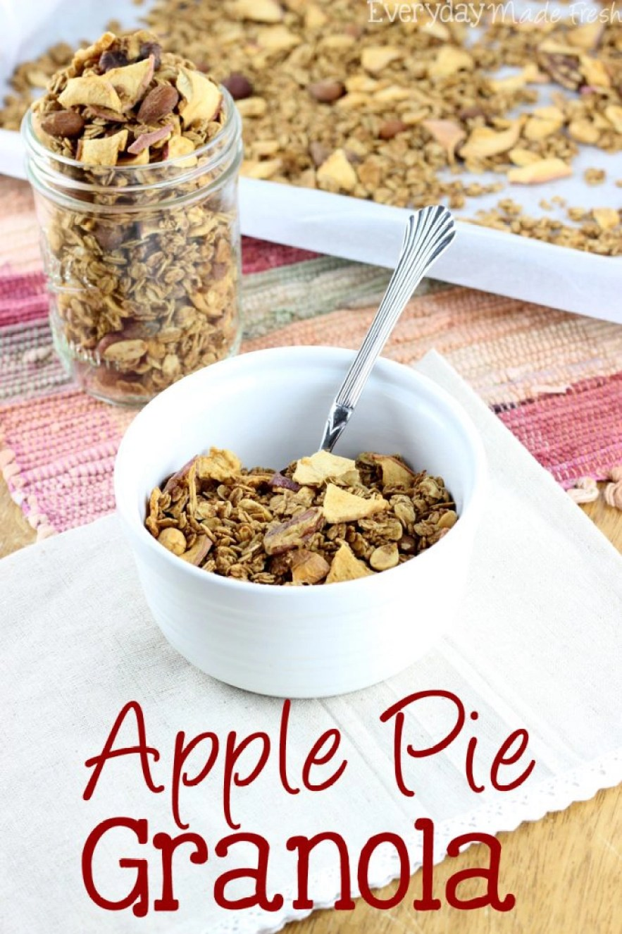 Enjoy all the flavors of apple pie in this easy to make Apple Pie Granola! | EverydayMadeFresh.com