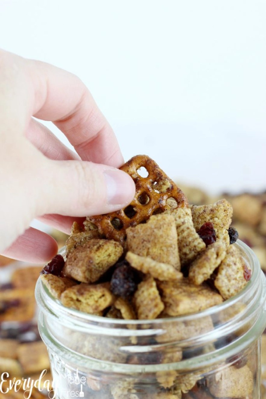 Sweetened with maple syrup, and spiced up just right, this Pumpkin Spice Chex Mix is the perfect fall snack. | EverydayMadeFresh.com