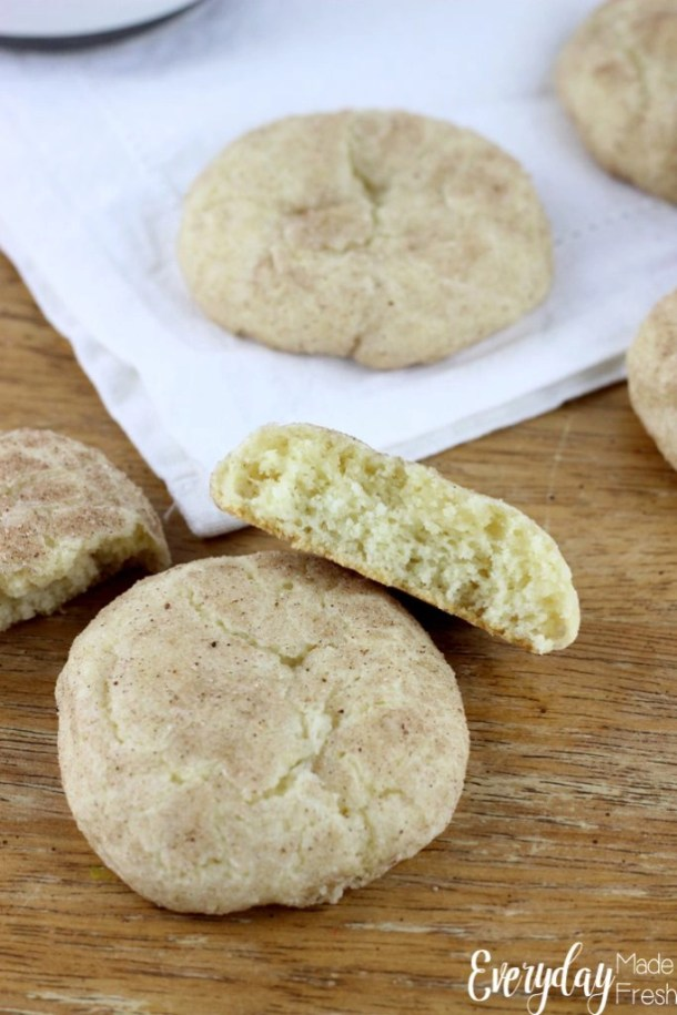 Nothing quite says Christmas like a glass of EggNog! If you love EggNog and Snickerdoodles, you'll love these Egg Nog Snickerdoodles!   EverydayMadeFresh.com