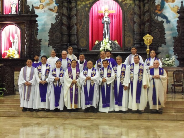 Fr. John Tamayo, SDB and his confrere priests from the Salesian community concelebrate the mass for Nanay.
