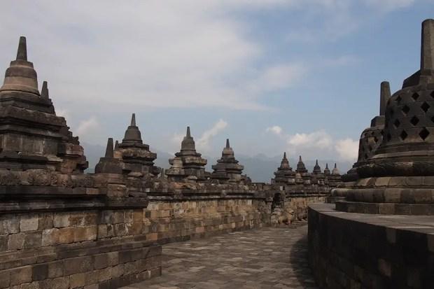 Borobudur by Isriya Paireepairit (CC BY-NC 2.0)