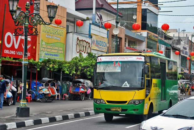 Bus Trans Jogja by Everyone Sinks Starco (CC BY-SA 2.0)