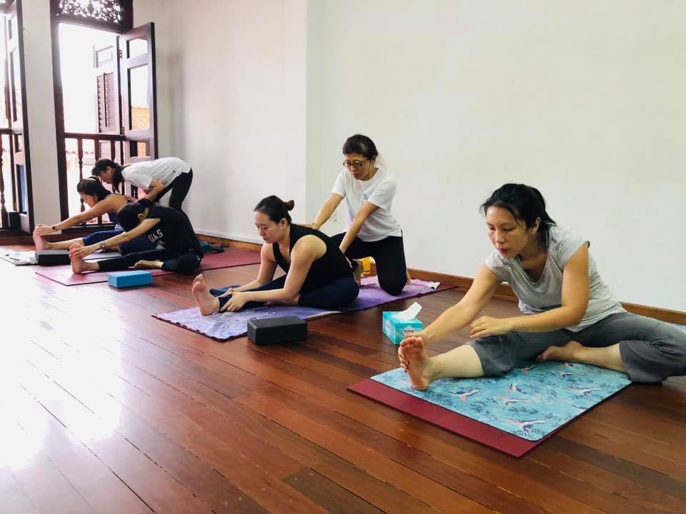 10 - OhmSantih Yoga School 2 - The Everyday People of Singapore